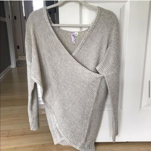 Francescas wrapped sweater (small)